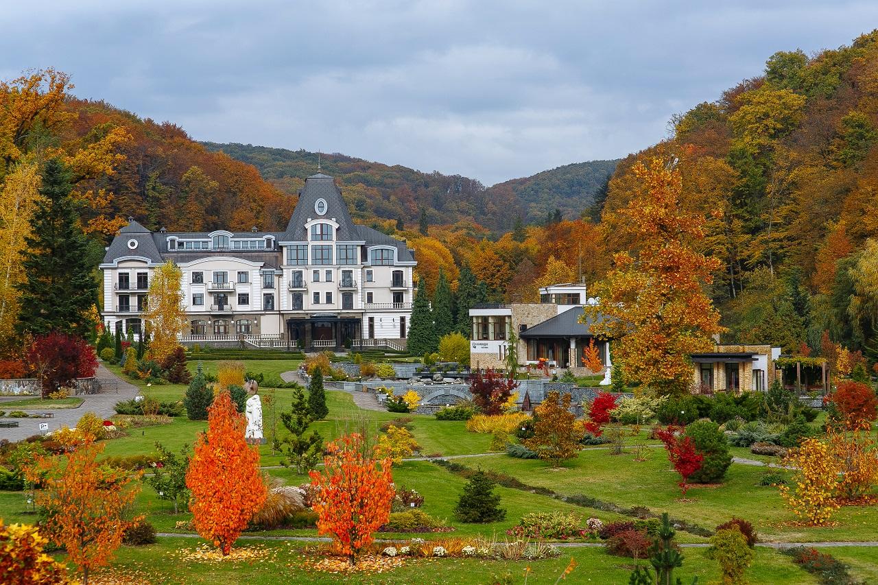 Золотая осень в санаториях и отелях Закарпатья
